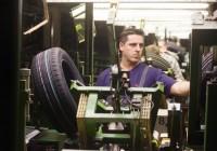Praca Niemcy przy produkcji opon – pracownik produkcji