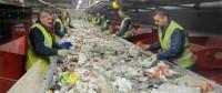 Produkcja praca w Norwegii w przetwórni odpadów-sortowanie bez języka
